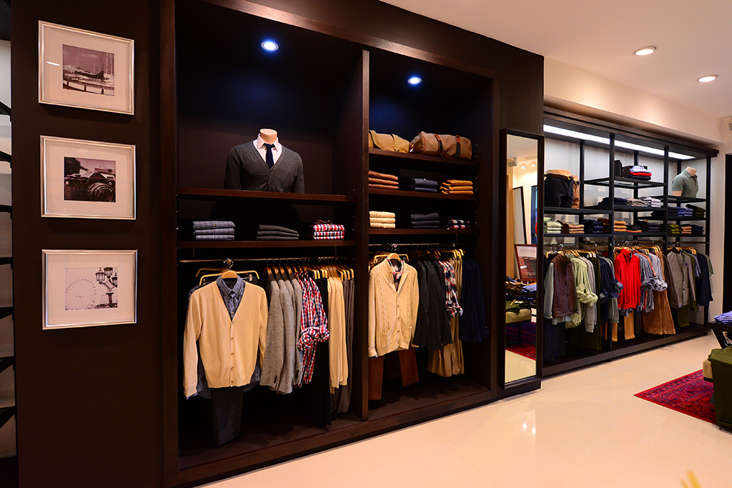 Wood's New Store in Bali