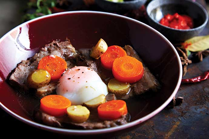 attarine_slow-cooked-beef-brisket-with-soft-cooked-egg-crispy-onion